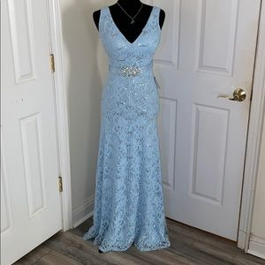 NWT ELEGANT pale blue, sequin&lace Formal gown